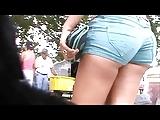 latina booty cheeks at market