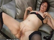 Mature housewife in sexy stockings